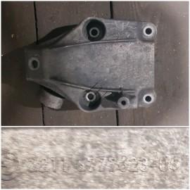 Кронштейн двигателя левый 22116788557