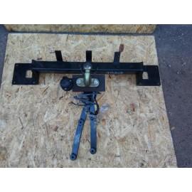 Прицепное устройство (фаркоп) W164